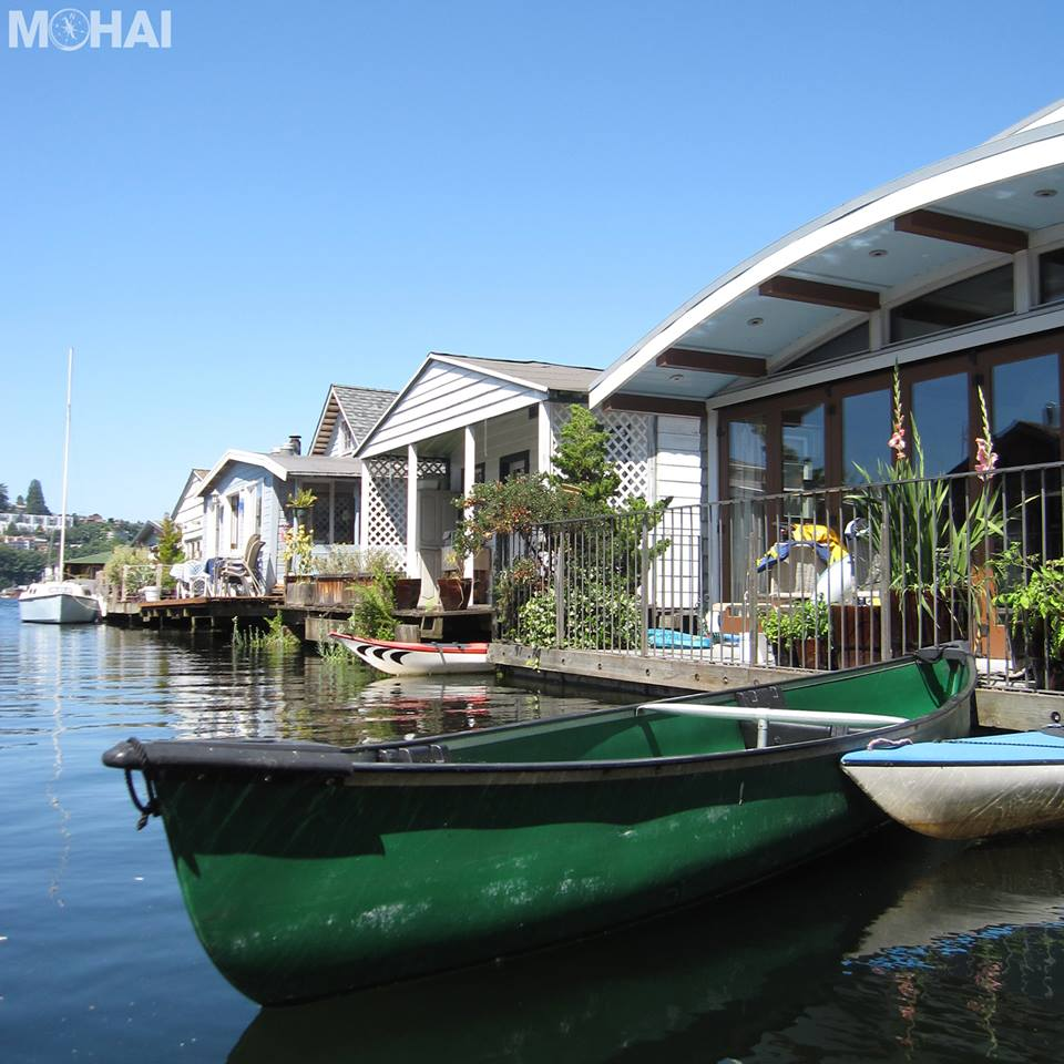 Houseboats ...