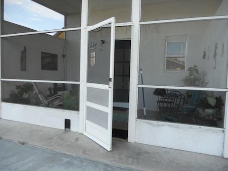ECity-080113-porch-outside