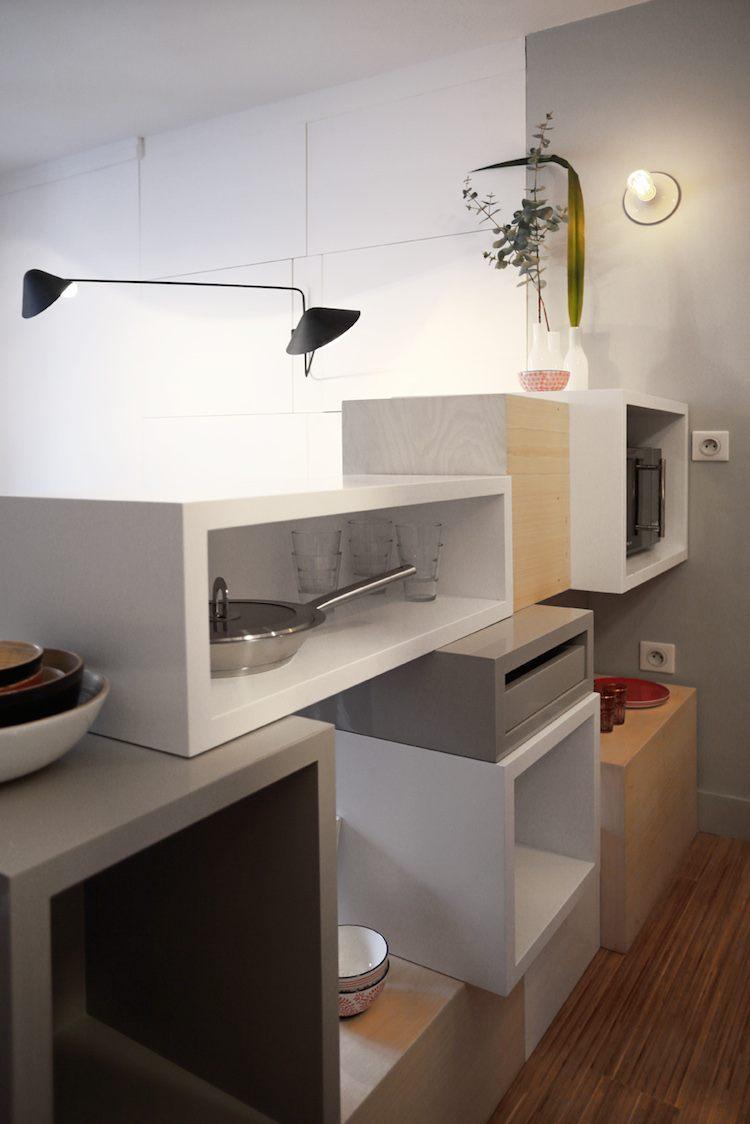 tr s petite maison parisienne lifeedited. Black Bedroom Furniture Sets. Home Design Ideas