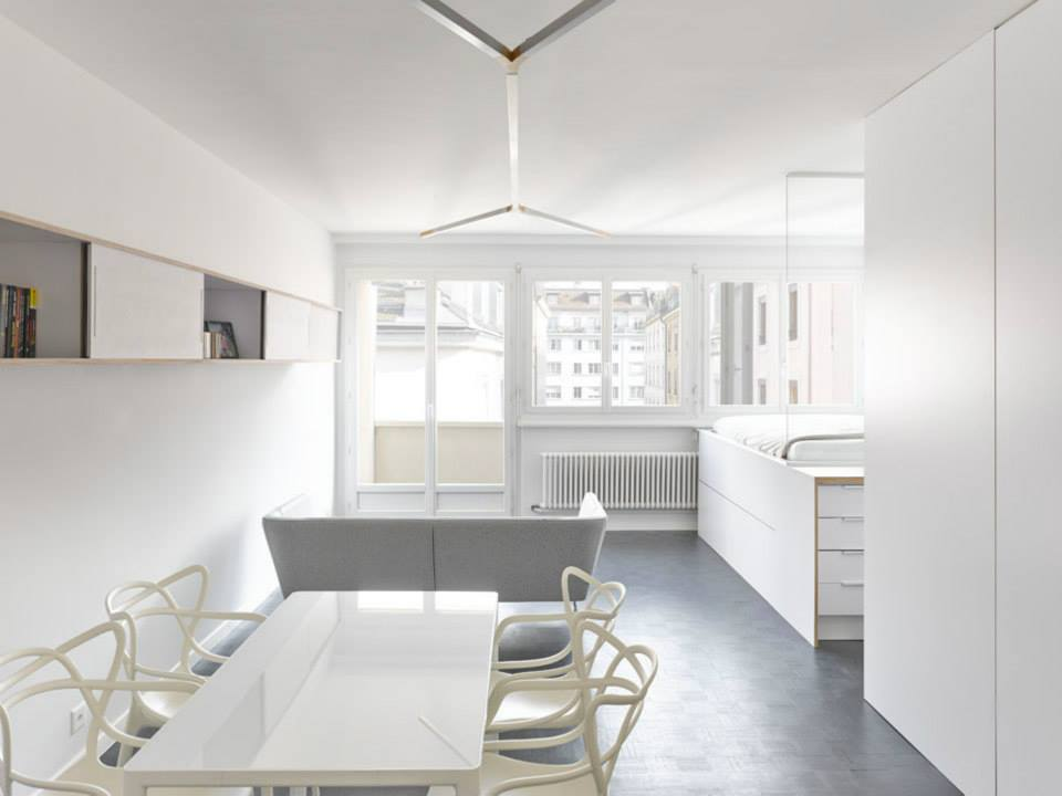 Why small white walled minimally decorated homes rock for Casa moderna total white