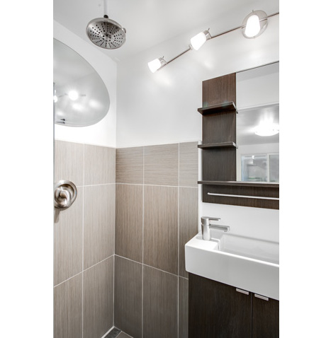 shipping-container-bathroom