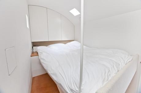 london-tiny-house-bedroom