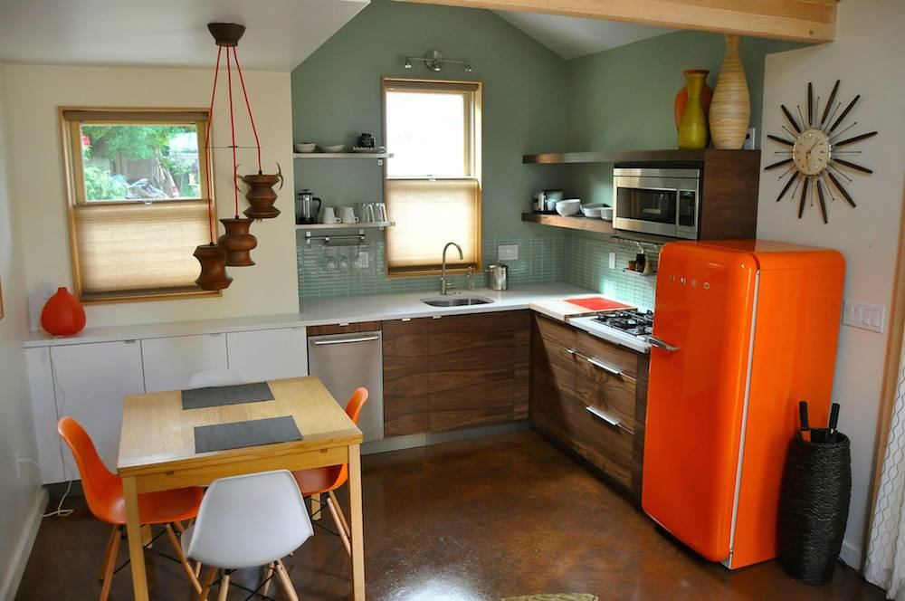 Small, Stylish Home Takes Over Garage - LifeEdited