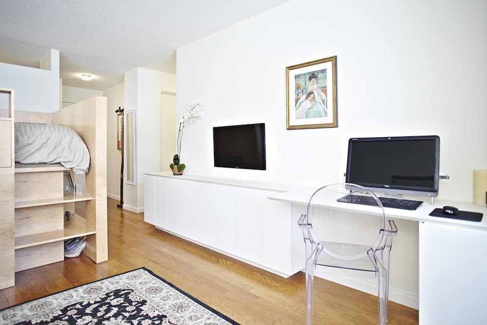 A Studio Apartment that Doesn\'t Feel Like a Big Bedroom - LifeEdited