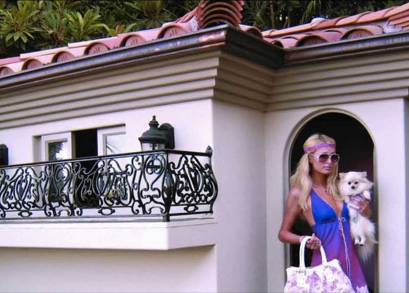 Paris Hilton Discovers Minimalism, Moves into Tiny House