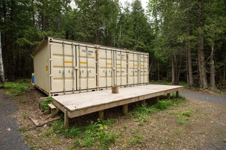 dupuis-shipping-container-exterior-doors-closed