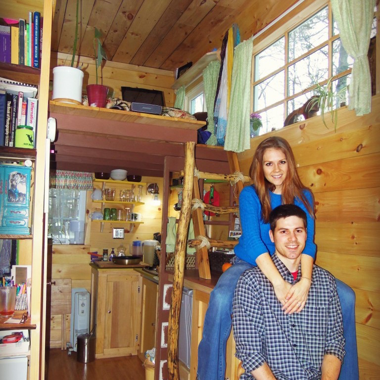 tiny house online dating